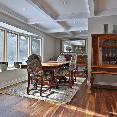 Dinning room with wood floor